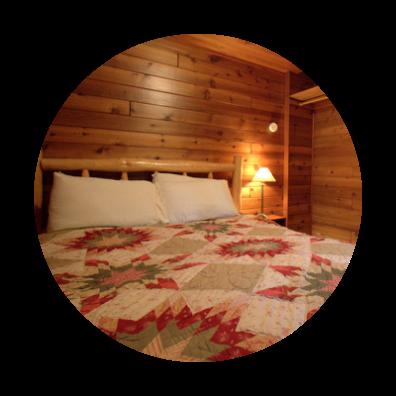 Alderwood Cabin Log Bed with Quilt