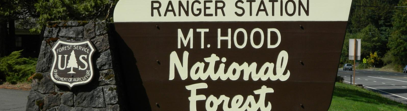 Mt Hood National Forest sign