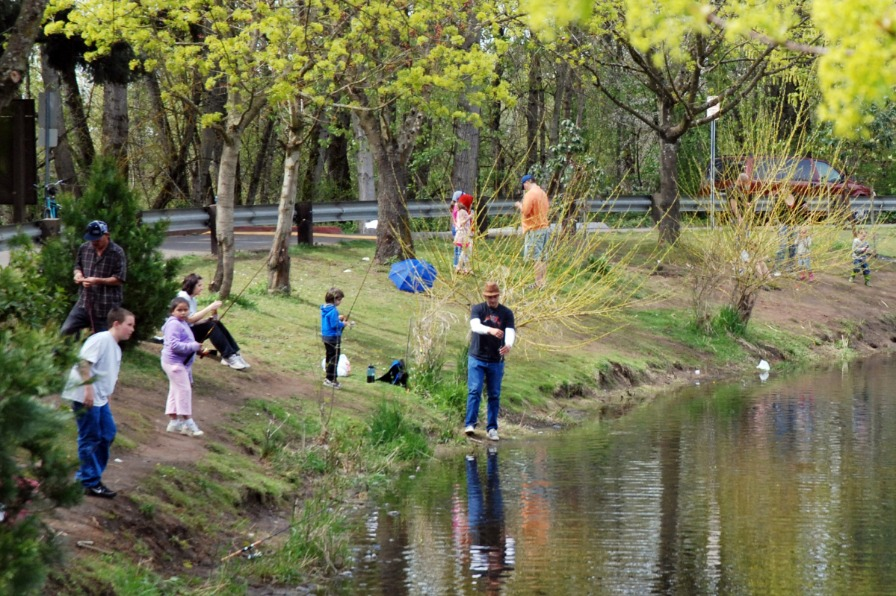 Canby Community Park fishing pond