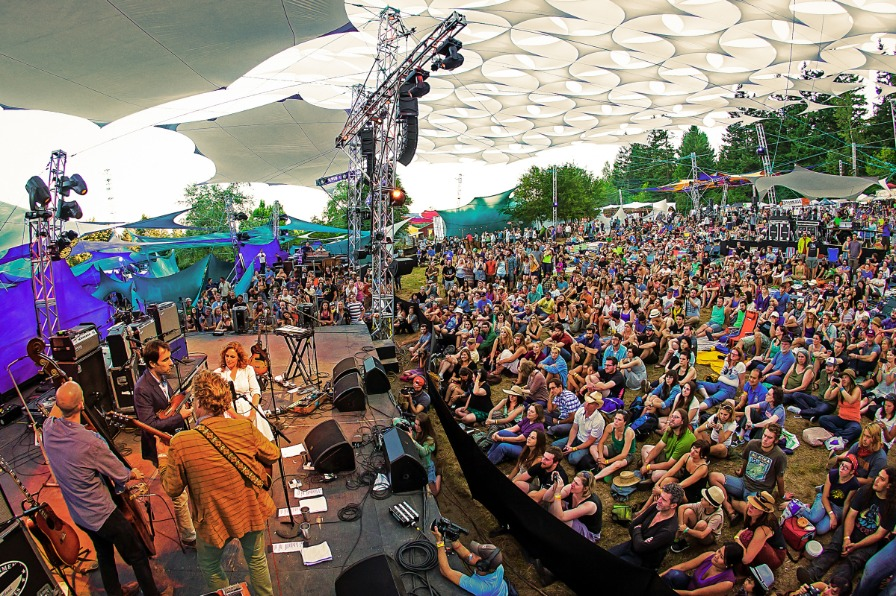 Andrew Bird and the masses at Pickathon