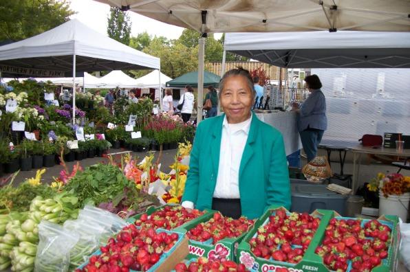 Milwaukie Farmers Market Strawberries