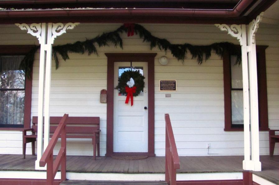 Philip Foster Farm, house Christmas decor