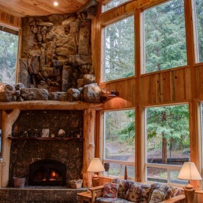 Eagle Falls Cabin, Rhododendron