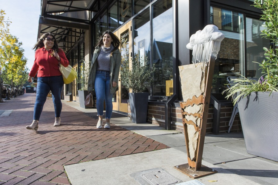 Gallery Without Walls in Lake Oswego public art
