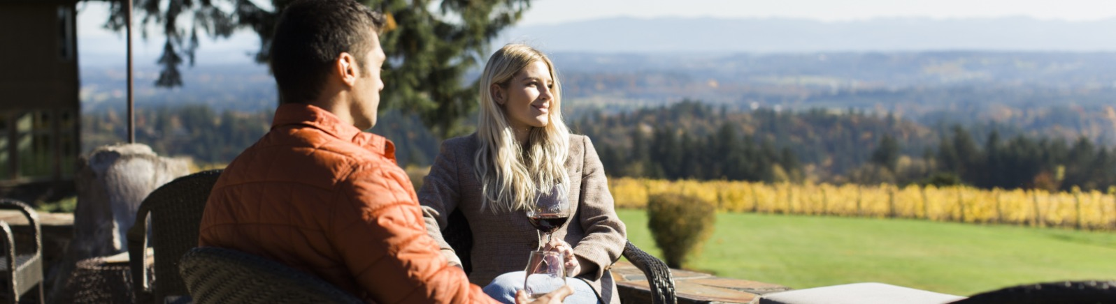 Outdoor wine tasting at Pete's Mountain Winery
