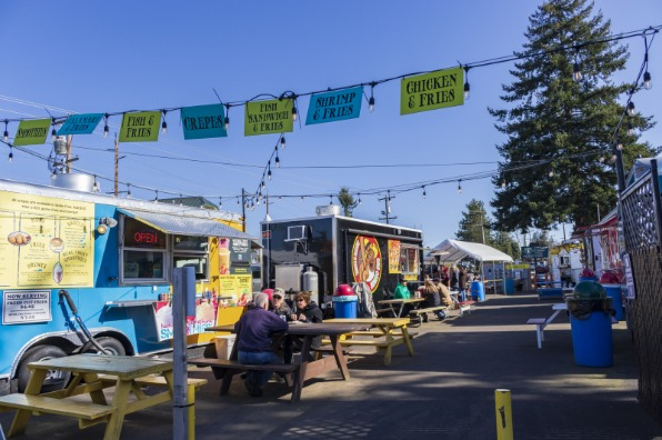 Sanlandia Food Cart pod in Sandy, Oregon