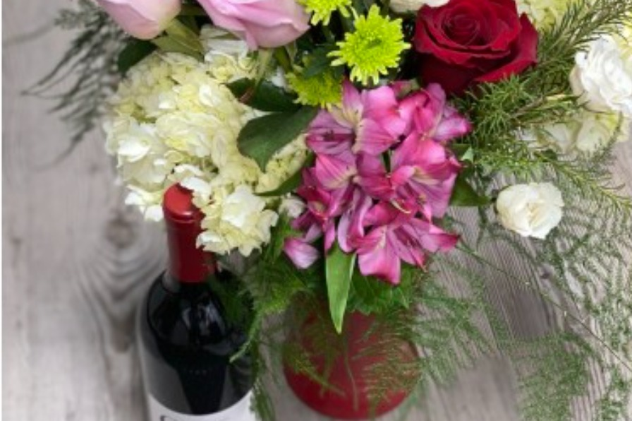 West Linn Flowers Valentine's promotion for One Love bouquet encouraging early orders for February 14 delivery