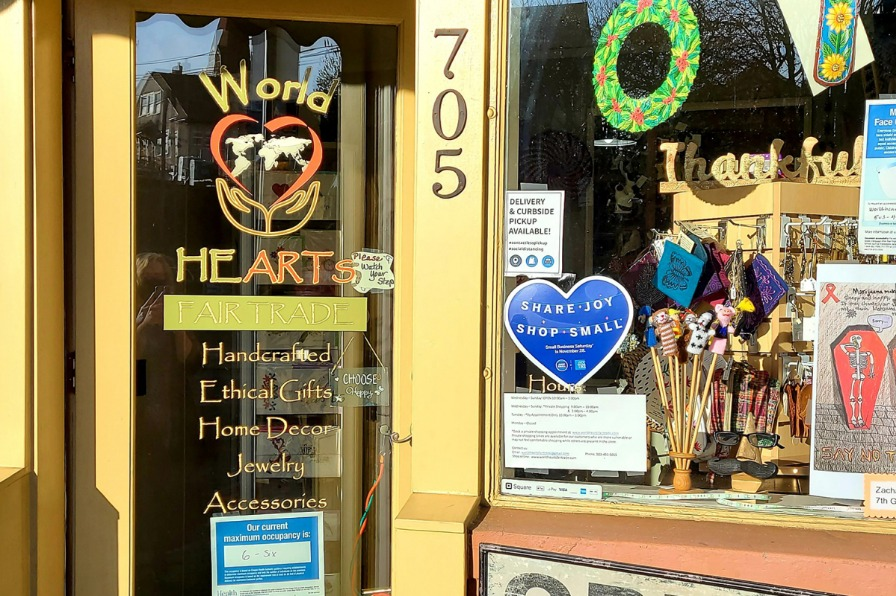 Store front of World HeARTs Fair Trade shop in Oregon City