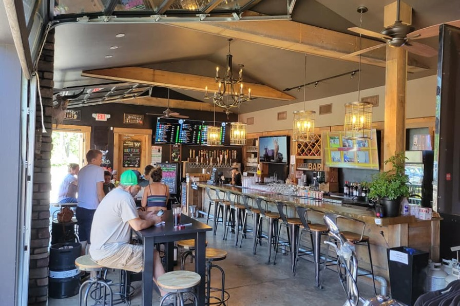 Molalla River Brewing Company tasting room