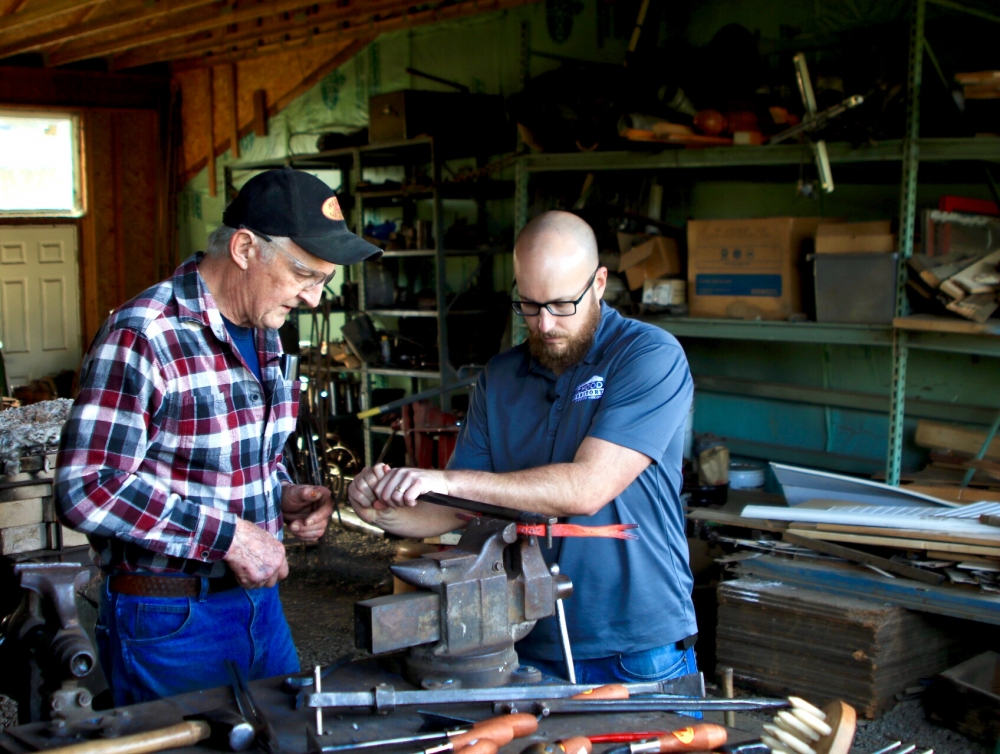 blacksmithing at Red Pig Garden Tools Oregons Mount Hood Territory